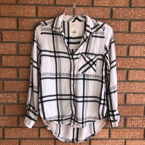 AEO Boyfriend Fit Plaid Button Down Shirt